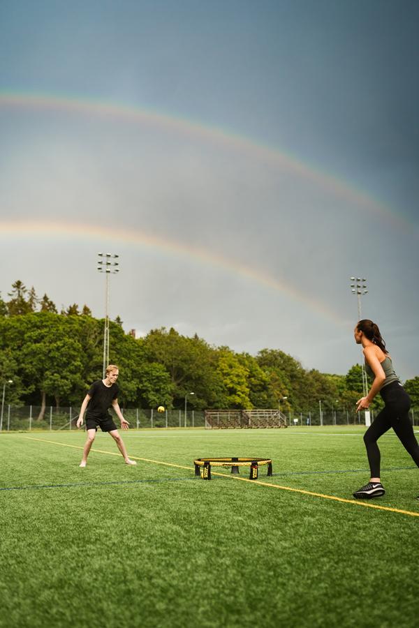 Seien Sie aktiv in einem Sport-T-Shirt mit Ihrem eigenen Aufdruck!